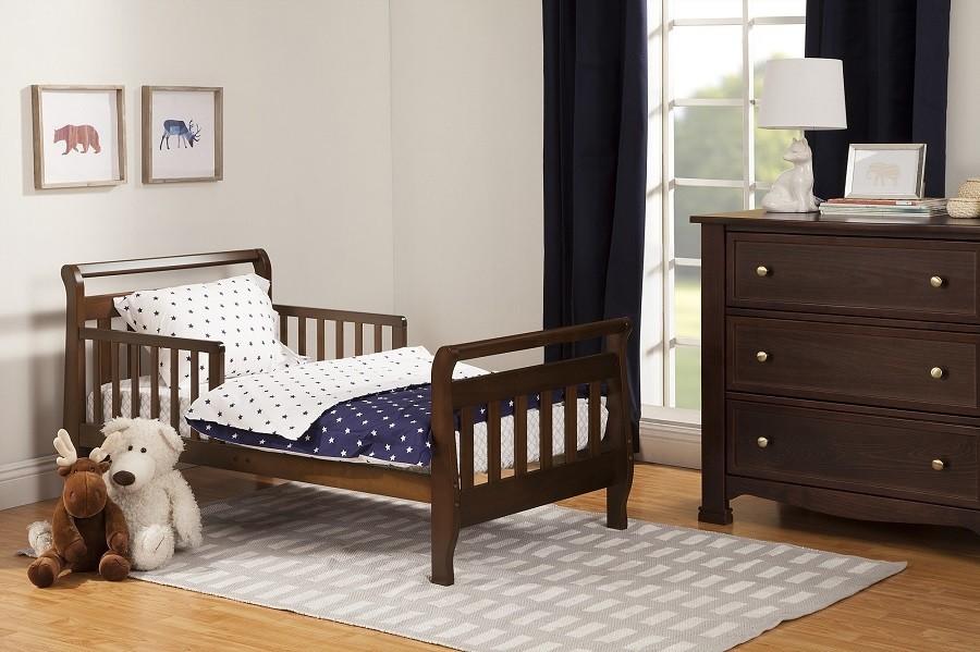 DaVinci Sleigh M2990E Toddler Bed Review